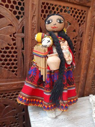 Muñeca etnica artesanal vintage