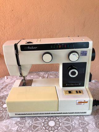Máquina de coser, marca ANKER