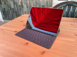 iPad Air 3 (2019) + Apple Smart Keyboard