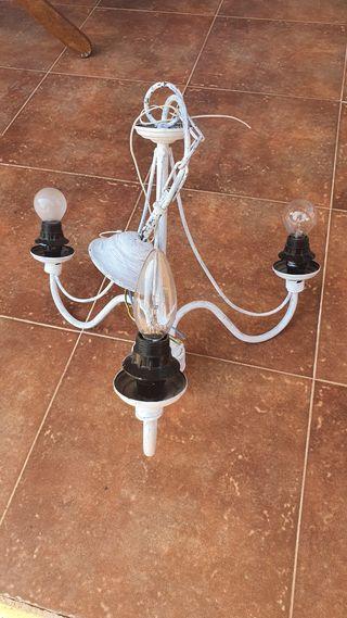 Lámpara forja pintada.