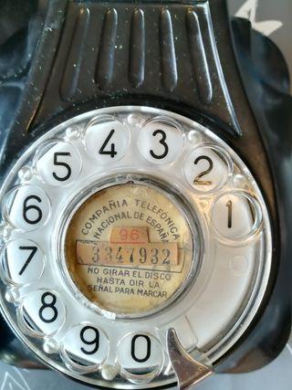 Teléfono antiguo