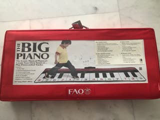 The big piano FAO Schwarz