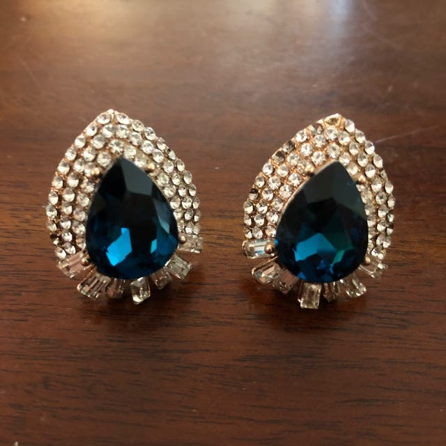 Emerald Green Tear Drop Rhinestones Earrings