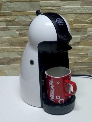 Cafetera Nescafé Dolce Gusto DëLonghi Blanca-Negra