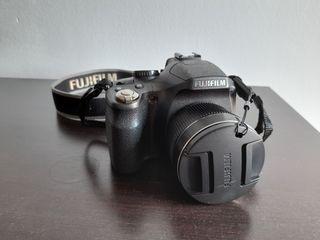 Cámara digital FUJIFILM FINEPIX SL240