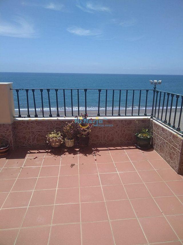 HIL0454 / Atico 3 dormitorios 1a linea de playa (Caleta de Vélez, Málaga)