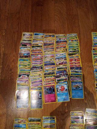 Lote de 337 cartas de Pokémon