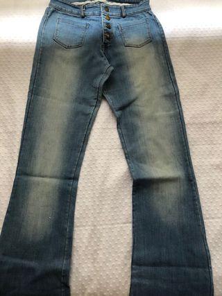 Pantalones campana vaqueros