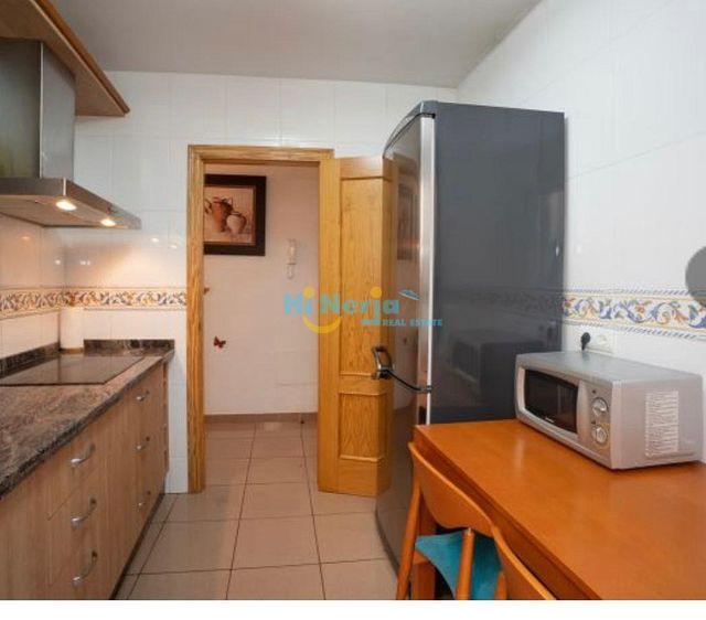 HI1152 / Piso 2 dormitorios parking Burriana (Nerja, Málaga)