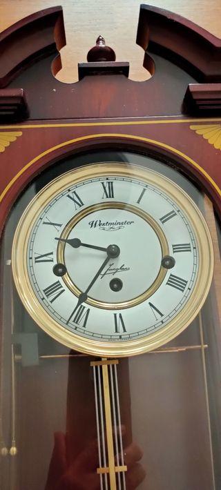 Reloj de pared con soneria Westminster Junghans