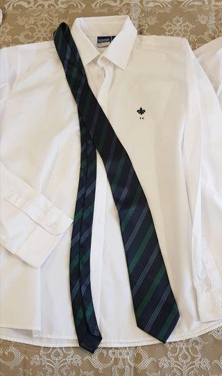 Corbata del uniforme de Trinity College