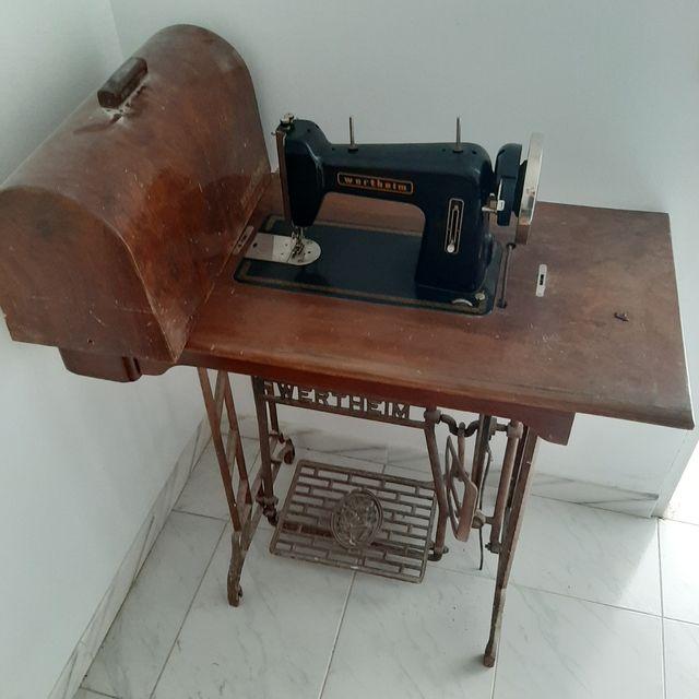 Máquina de coser antigua de segunda mano por 60 € en