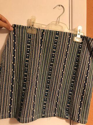 Falda corta de tubo