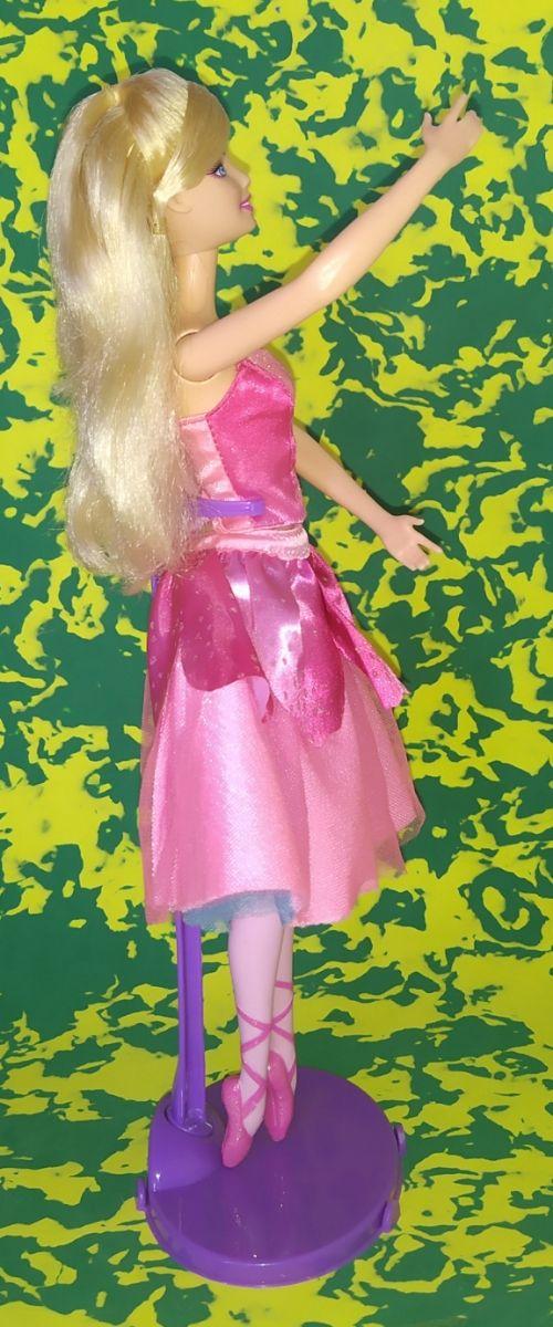 Barbie muñeca bailarina traje rosa.