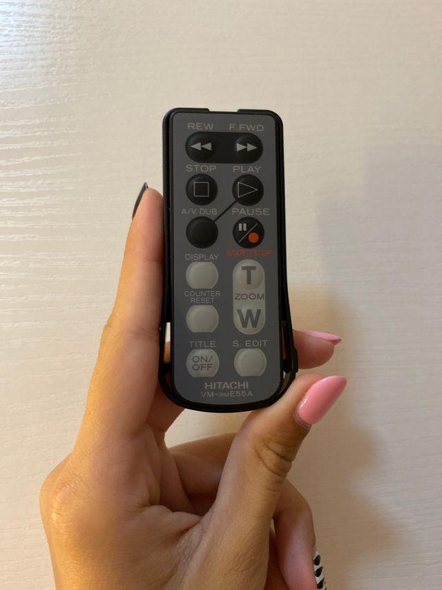 Cámara de video HITACHI Hi8 modelo H610E