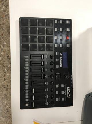 Controlador MIDI Akai MPD232