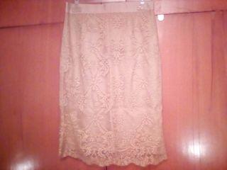 Falda dorada/champagne de encaje talla 38