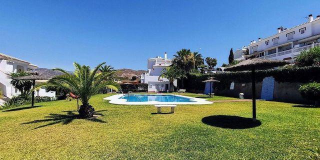 Casa adosada en venta en Torrox Park en Torrox (El Peñoncillo, Málaga)