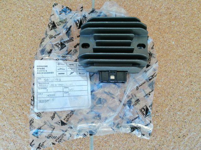Regulador de Corriente Piaggio X7-X8-X9 125