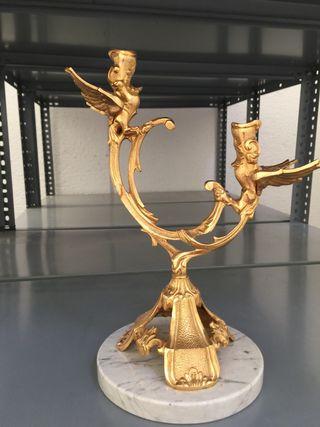 Candelabro de bronce dorado
