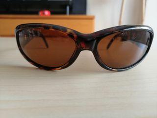 Gafas sol Arnette Catfish marrón.