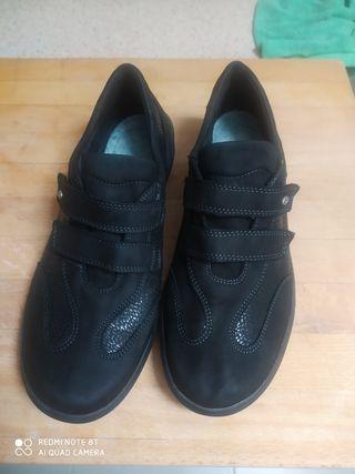 zapatos trabajo N.39.5 mujer