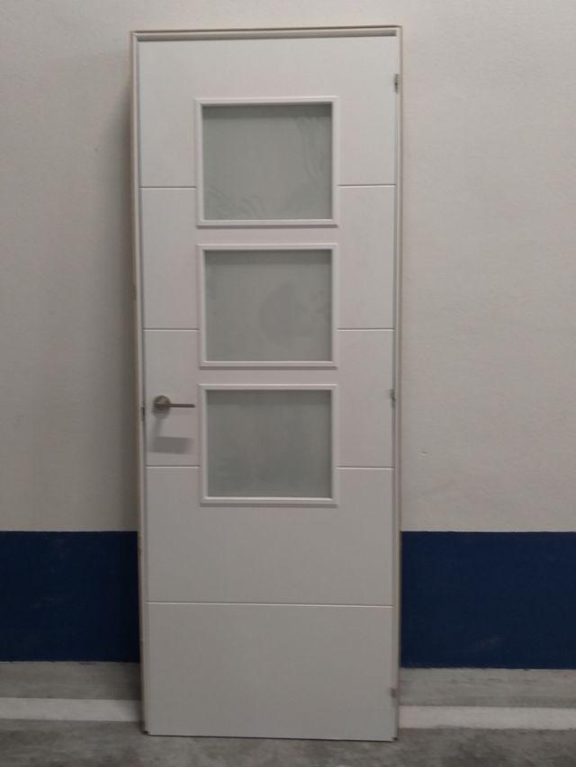 Puerta interior nueva