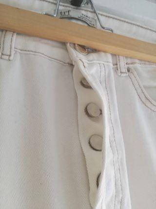 Pantalón vaquero blanco