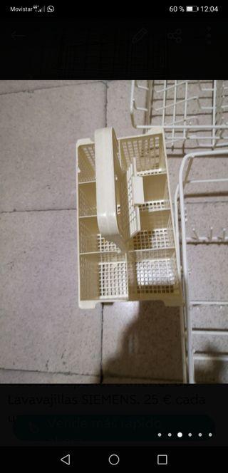 Cestillo cubiertos lavavajillas. SIEMENS