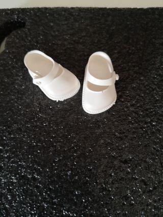 Zapatos de muñeca 4 cm marca Cinderella.