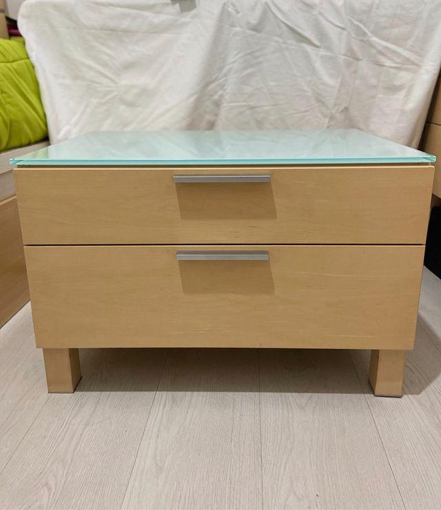 Mueble de dos cajones para habitación