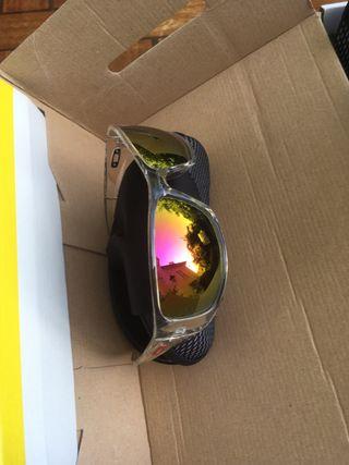 Lot lunettes solaires neuves sans marque