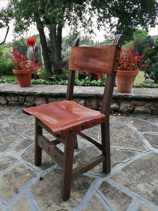 5 sillas madera y cuero