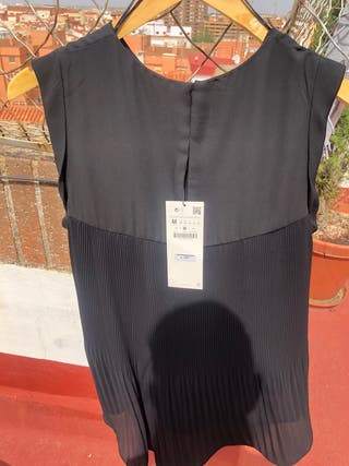 Camisa negra sin mangas (M) Zara