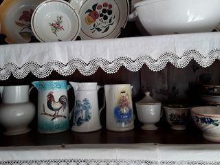 Antiguas jarras.Cuatro de ellas.