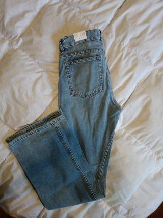 Jeans wide leg.