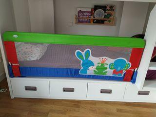 se regalan barrera para la cama y reductor baño