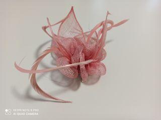 Tocado en rosa palo