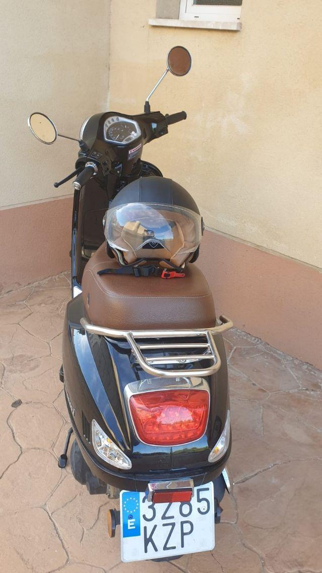 moto cilindrada 125 semi nueva 1 año de antigüed