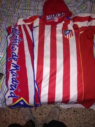 Camiseta Atlético de Madrid + gorro + bufanda