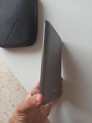 Tablet Samsung 7 pulgadas.