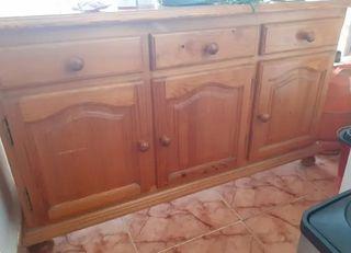 Mueble bufé de madera roble con cajones y armario