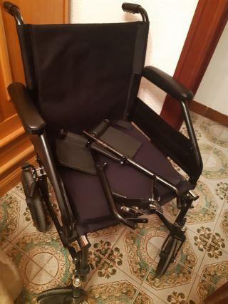 silla ruedas y cojín antiescaras