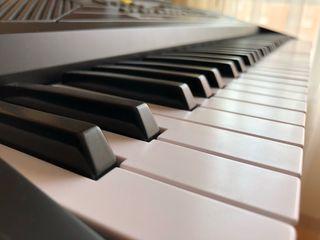 Teclado-piano 61 teclas