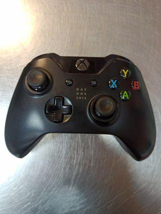 Mando Xbox One Day One 2013