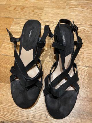 Sandalia de piel Mango n.38