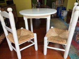 Mesa para niños de madera con 2 sillas