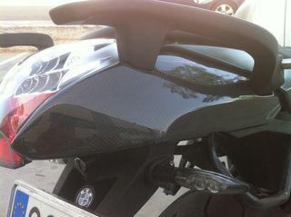 BMW K1200R K1300R TAPA TRASERA CARBONO Nuevo