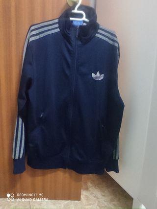 chaqueta Adidas. talla m de hombre. no negociable.