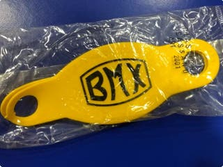Cubrepuños BMX amarillos. OFERTA.
